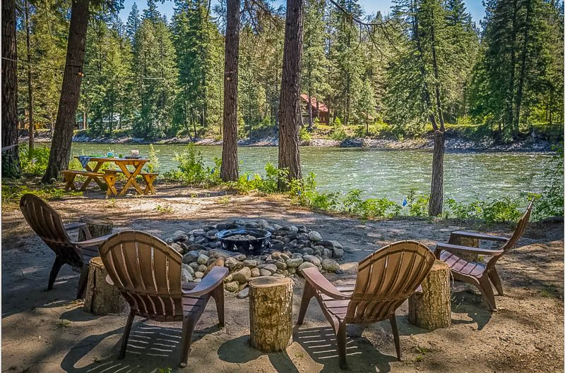 Sweeping river views from this Washington state vacation rental