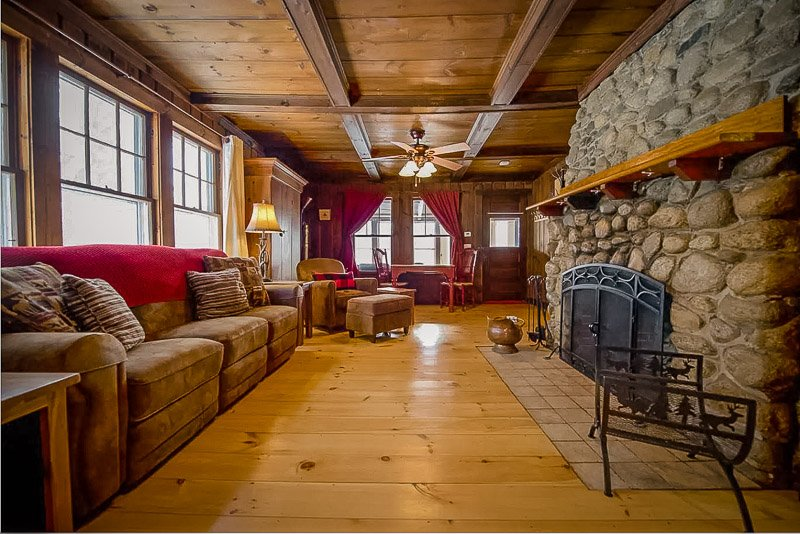 Cozy cabin rental in the White Mountains NH with indoor fireplace