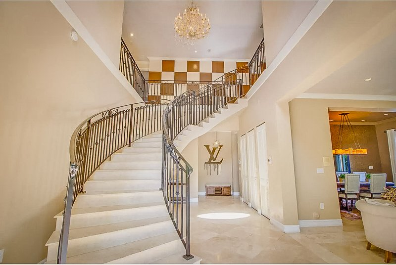 The magnificent entry room inside this luxury vacation rental in Miami