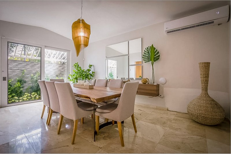 Dining room area inside the Puerto Rico vacation rental.