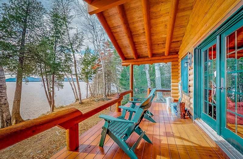 Unique cabin rental in Maine on the lake