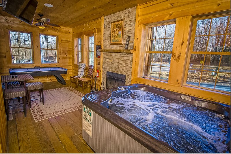 A top house to rent in Maryland with a private indoor Jacuzzi