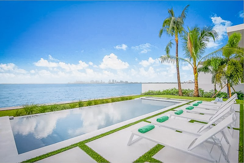This beachfront Airbnb is easily one of the top mansion rentals in Miami