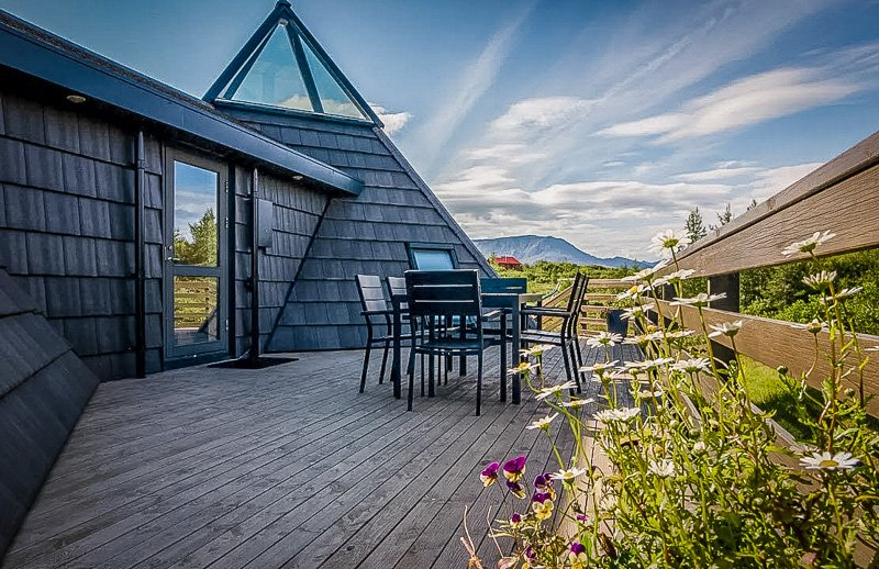 Spacious deck area with stunning views of the Icelandic countryside