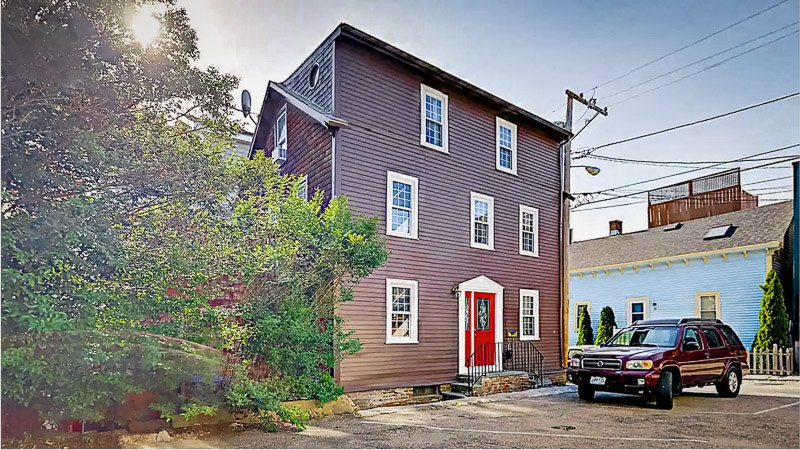 Rhode Island vacation rental on VRBO and Airbnb in a great location