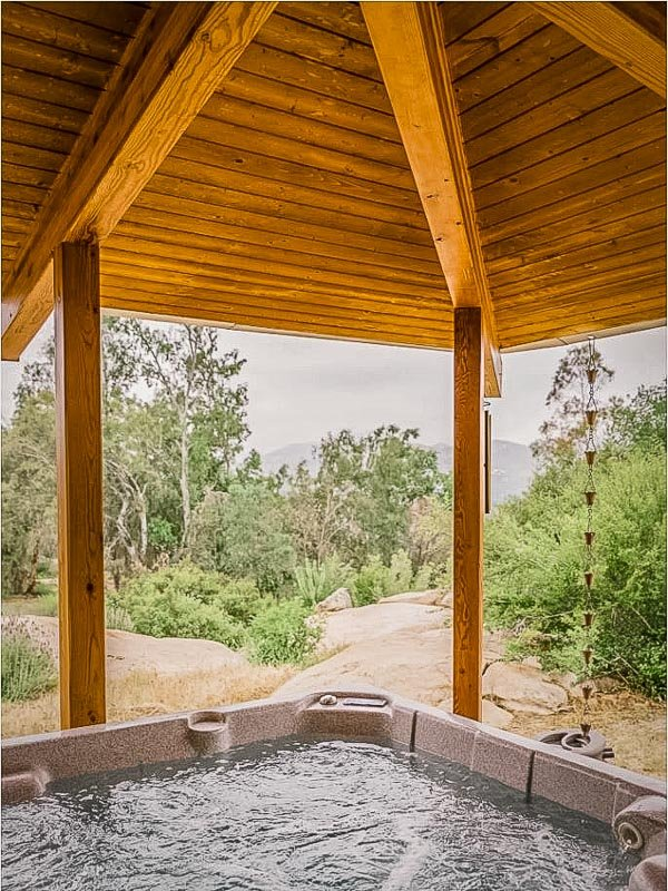 Hot tub overlooking the mountains of So Cal.