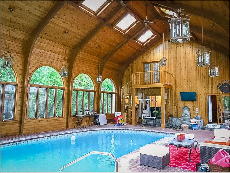 Gorgeous rustic pool house for rent in CT