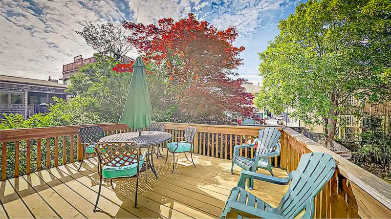 Expansive porch and patio area for entertaining