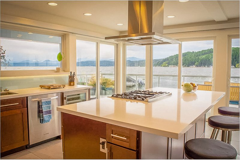 This house for rent in Washington State offers unparalleled views of the coastline