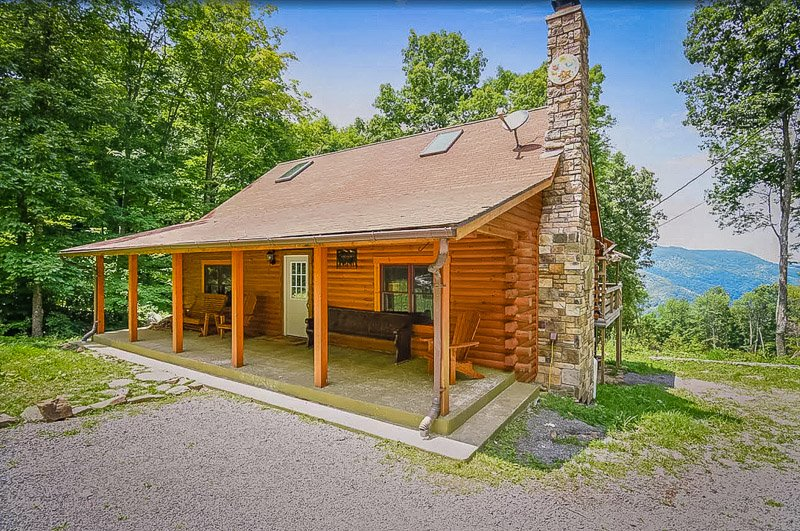 Among the coolest country road cabins in West Virginia