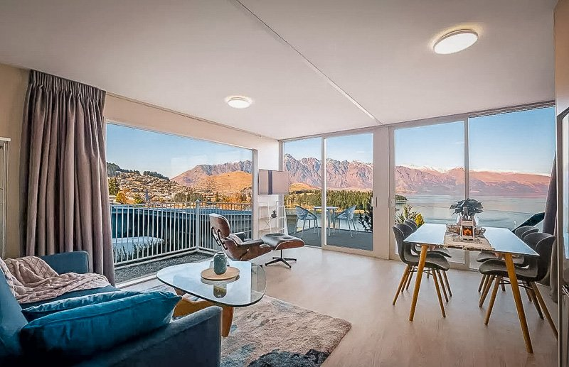 Queenstown vacation rental with epic views.