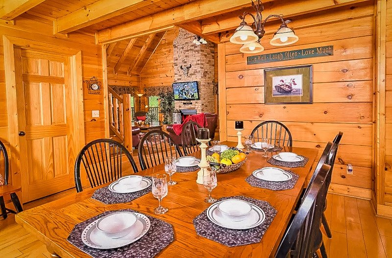 Rustic log cabin decor inside the vacation rental in Tennessee