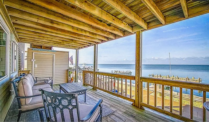 Oceanfront views from this New Jersey house for rent