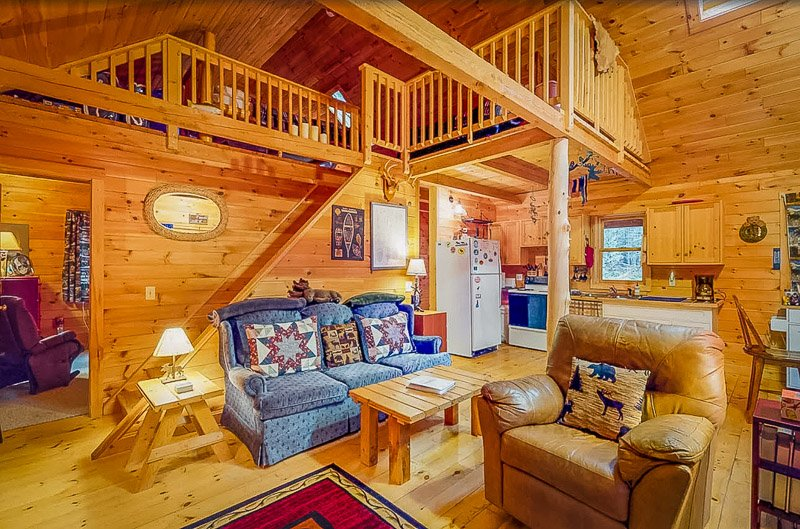 One of the best Northern Maine cabins for rent in the woods