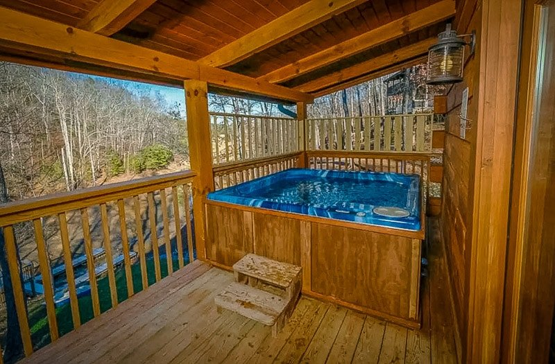 Beautiful Tennessee Airbnb with hot tub.