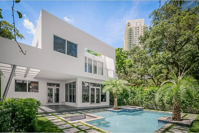 Luxury Miami house with a pool