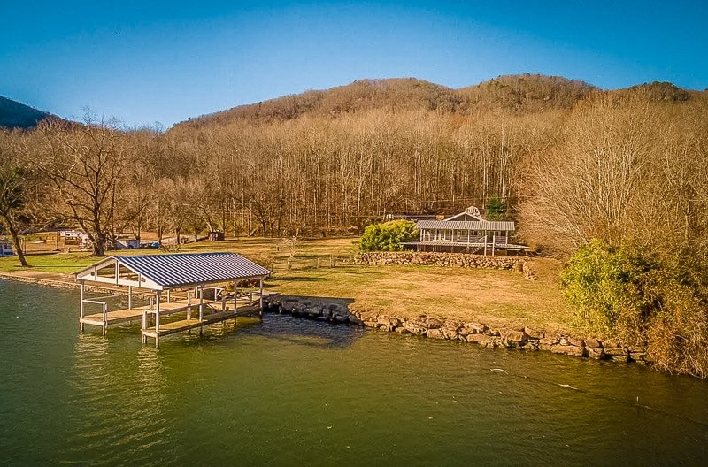 Chattanooga Tennessee vacation rental on a lake