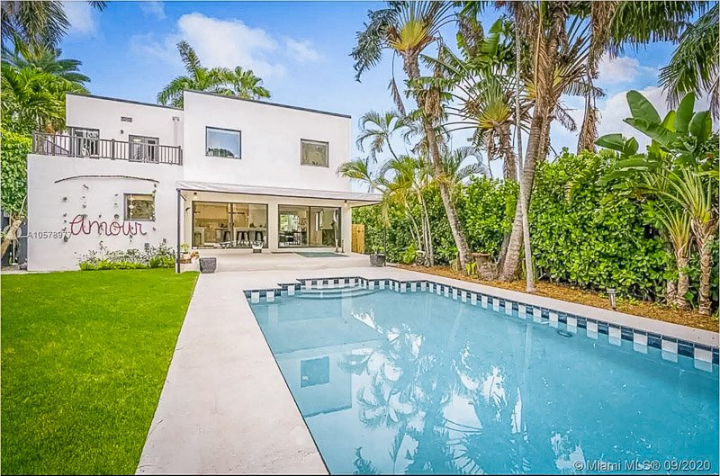 This art deco home is among the best mansion rentals in Miami