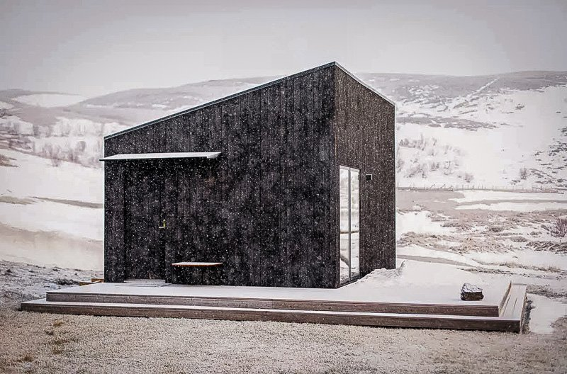 A modern cabin rental in Iceland with spectacular scenery
