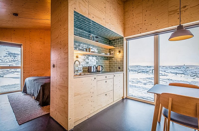 Rustic cabin style decor inside this Iceland cabin for rent.