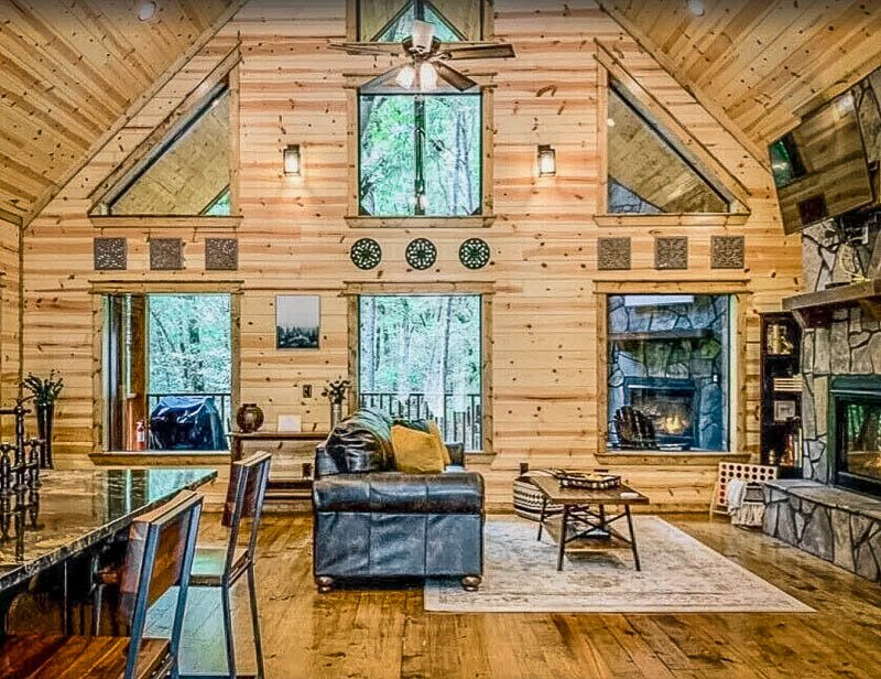 Romantic cabin getaway in Oklahoma on VRBO and Airbnb