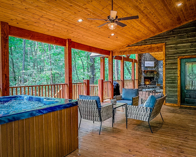 This cabin to rent in OK comes with an oversized hot tub