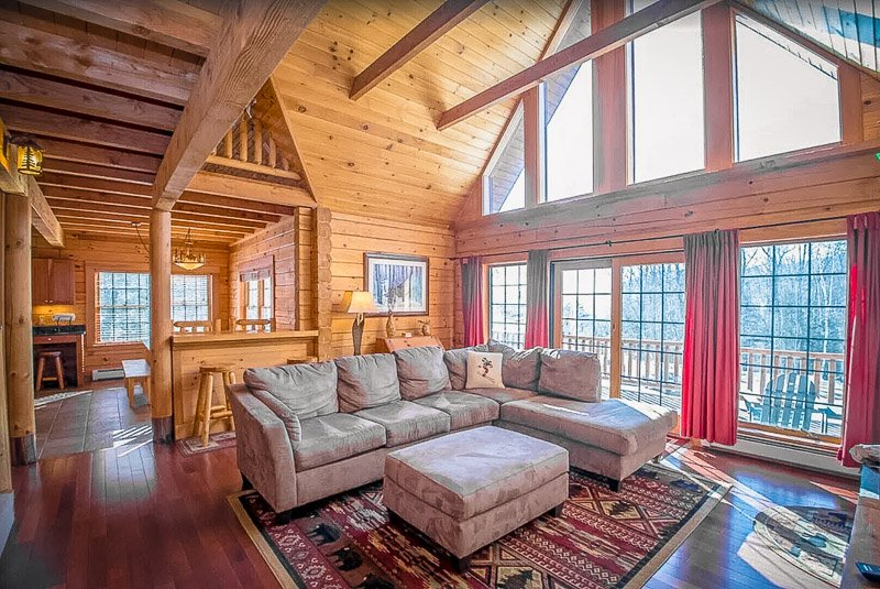 This expansive home is one of the top cottages to rent in NH