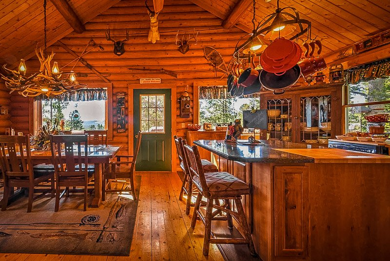 A cabin resort in Montana brimming with vibrance and authentic beauty