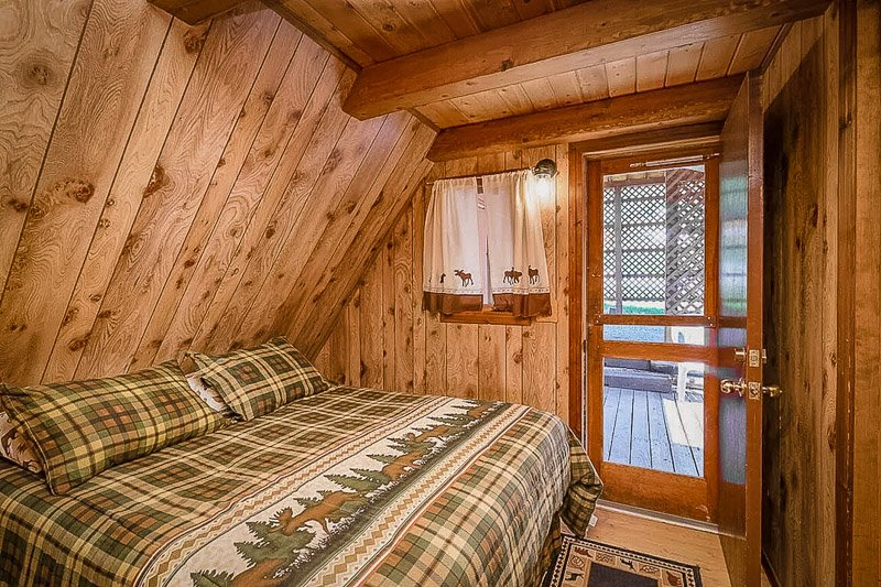 Moose Cabin is among the best lakeside cabins in Montana