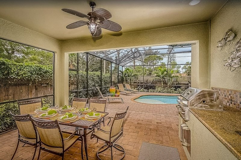 Unique vacation rental in Florida with a pool