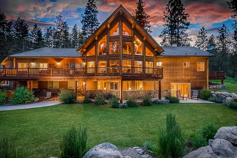 One of the top luxury cabins in Montana