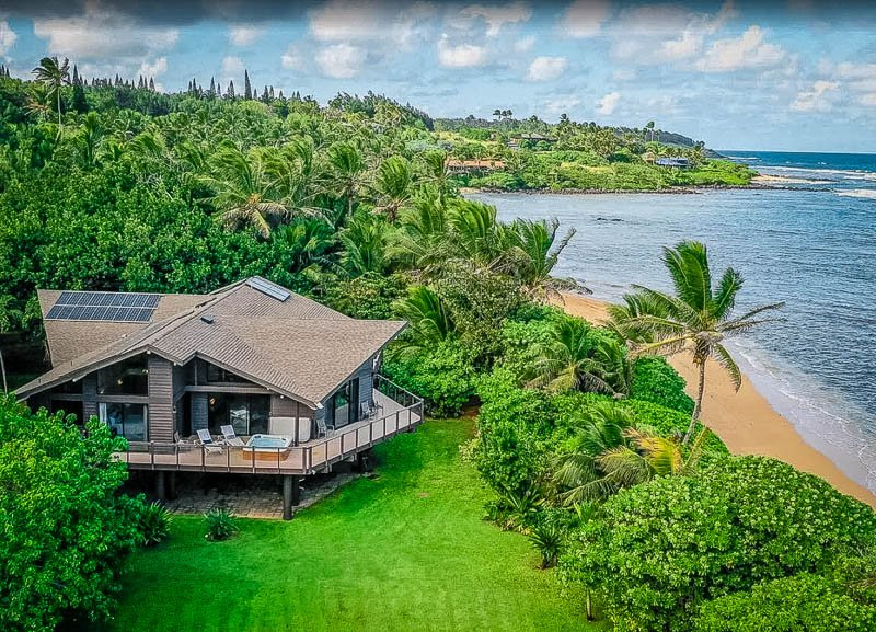 This home is among the most beautiful beach house rentals in Hawaii.