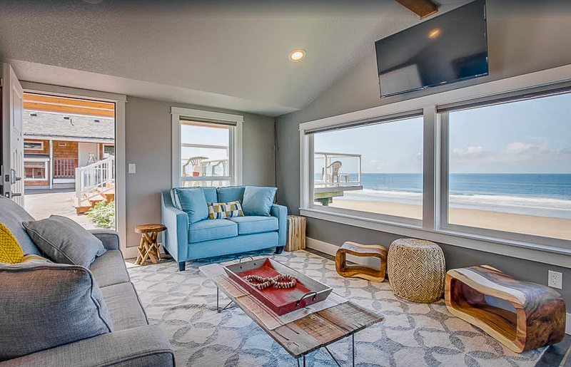 Gorgeous beach house for rent on Oregon Coast