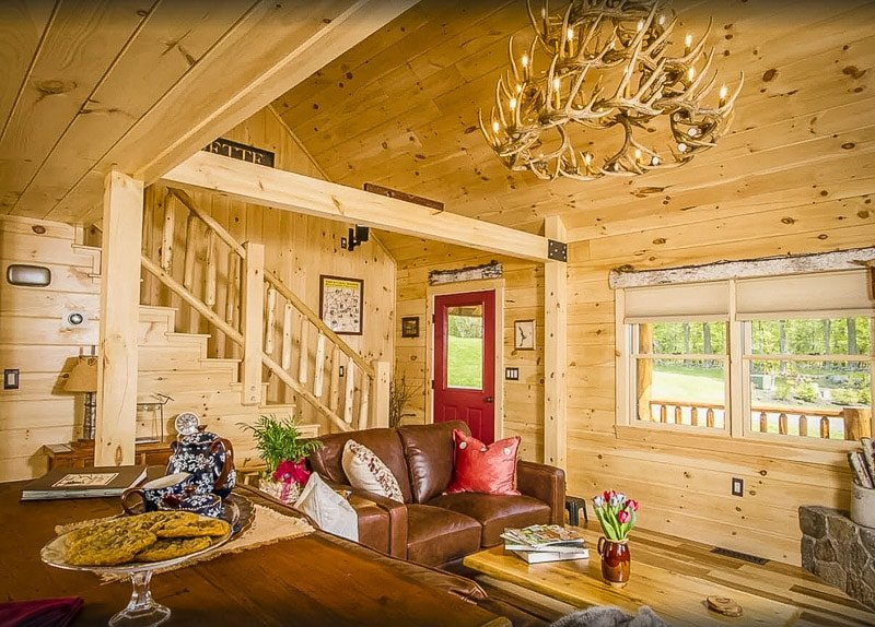 A luxury cabin to rent in New Hampshire for large groups