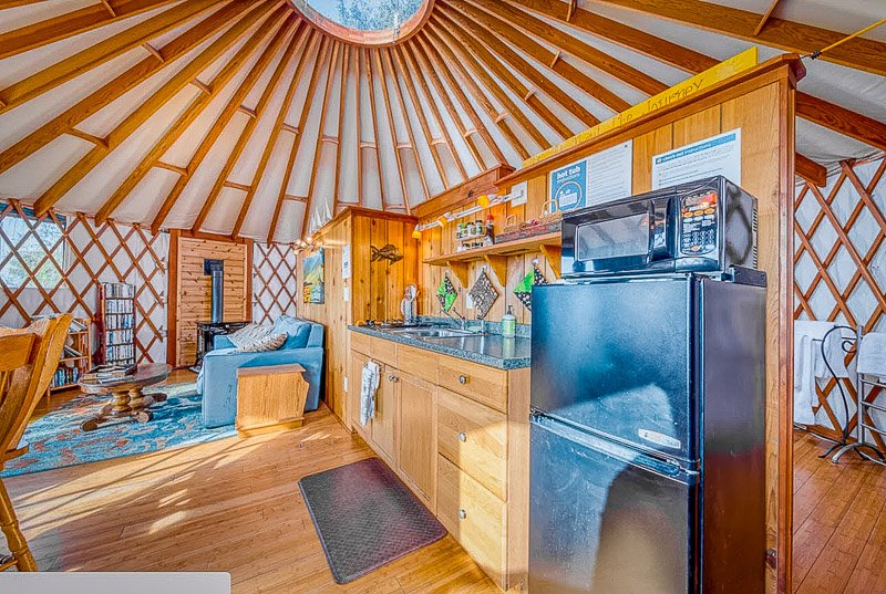 This Oregon vacation rental has its own private hot tub