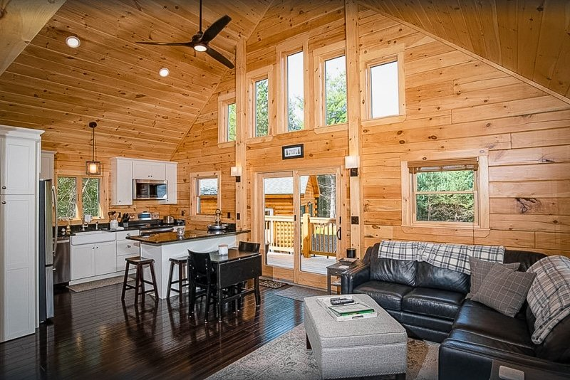 A log home for rent in the heart of NH