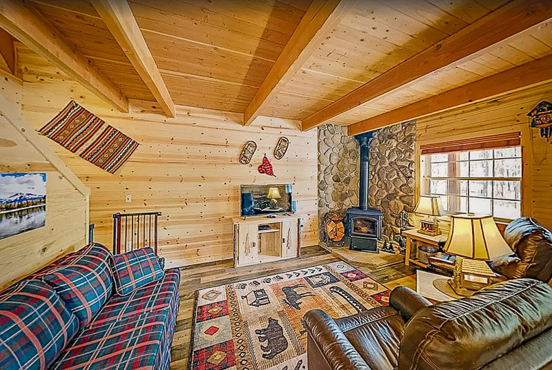 Rustic lodge-style decor inside this OR rental.