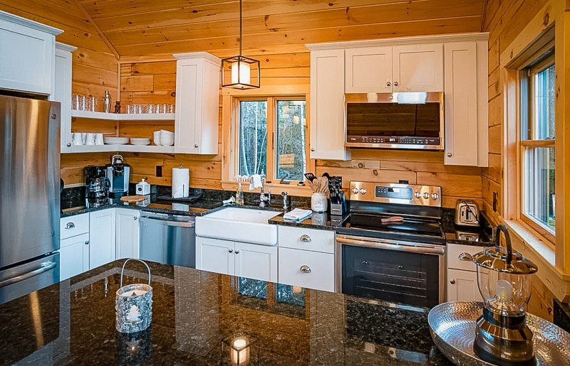 This house for rent in NH is perfect for large family getaways