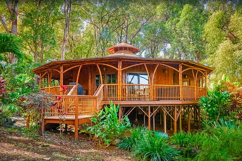 Hawaii treehouse rental with hot tub and pool.