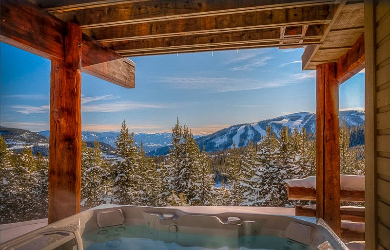 Hot tub with a view of the Montana wilderness