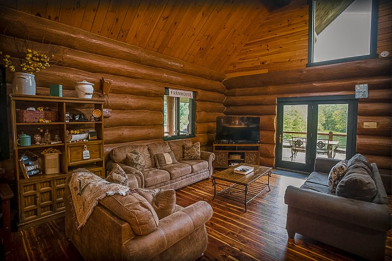 Cozy log cabin for rent in Indiana that you should add to your bucket list