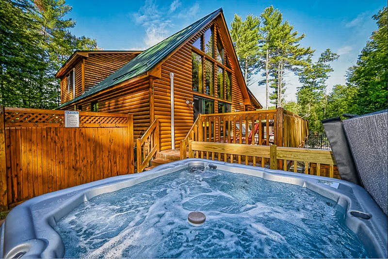 This vacation rental with private pool near me also has a hot tub.