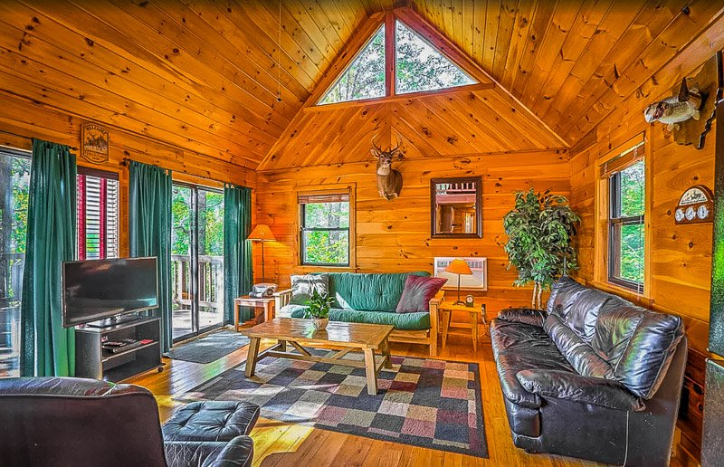 This is among the best cabins near Hocking Hills, hands down