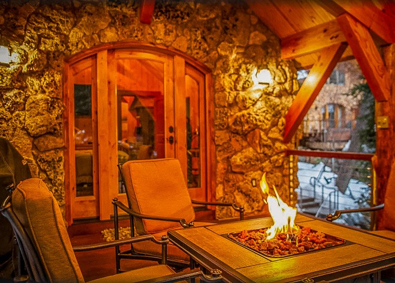 Romantic cottage rental in UT with a fire pit