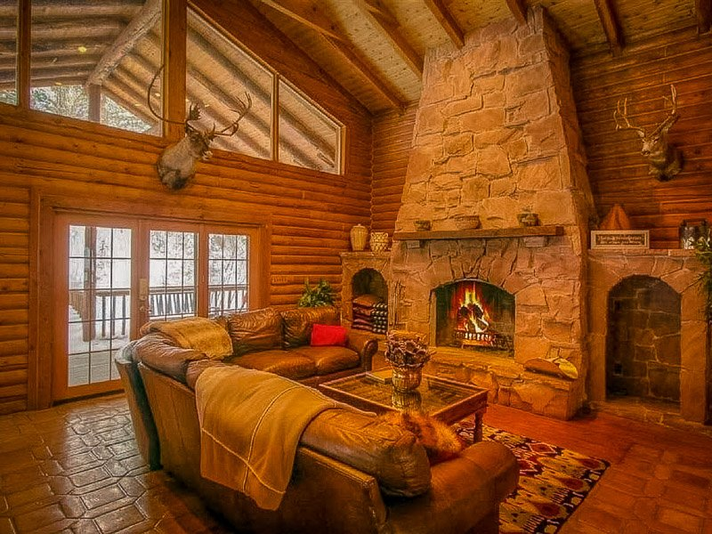 This house is easily one of the top Utah mountain cabins on Home Away