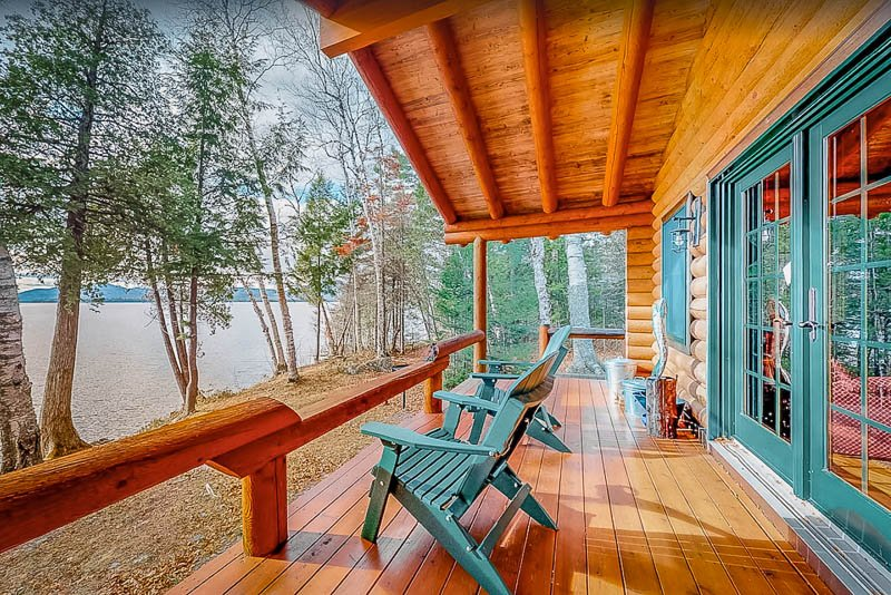 This Maine lake house for rent offers unparalleled views of the water