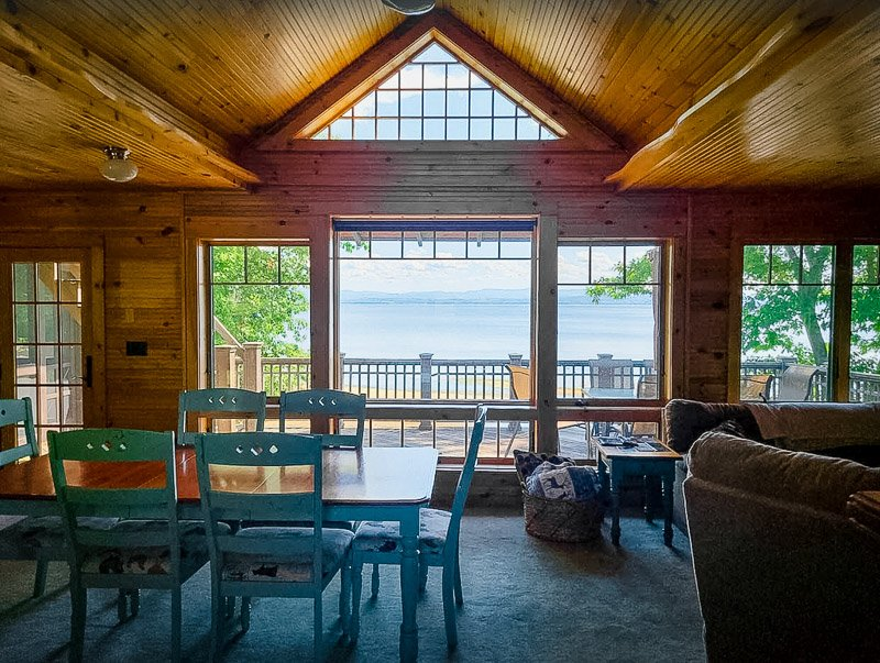 One of the most unique New York lake cabins that you'll find on Airbnb