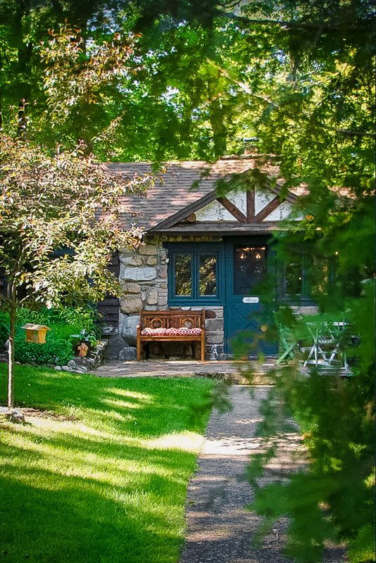 Cozy house for rent on a lake in NY