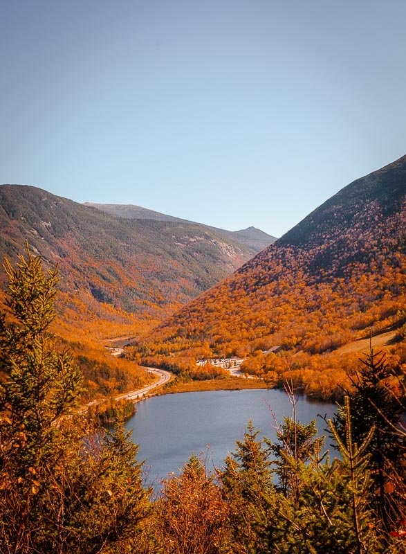 Hiking Artist Bluff Trail is among the coolest things to do in New England in the fall.