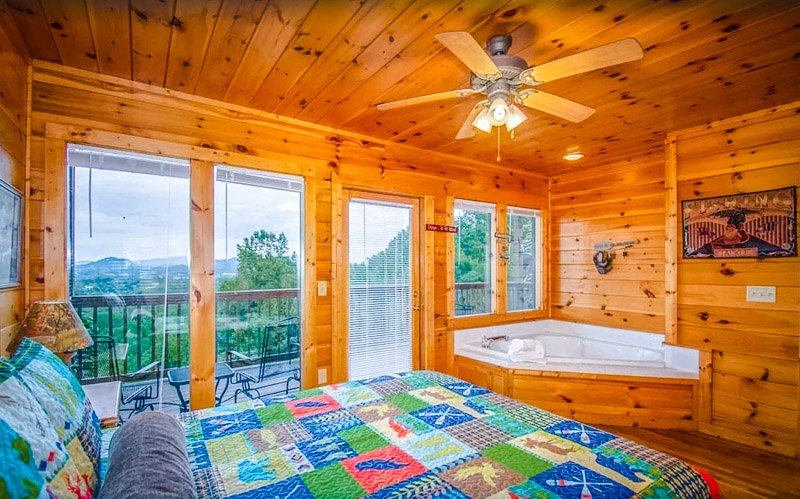 Imagine waking up at this Tennessee rental.